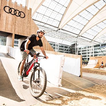 AIRPORT MUC / Bike & Style